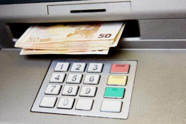 prelievo bancomat all'estero
